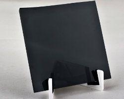 Černé náhrobní sklo